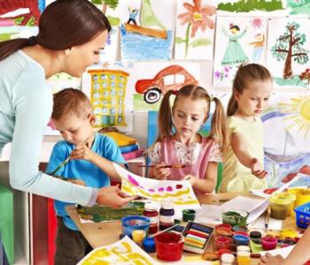 Tallinn vabastab lapsevanemad aprilli lõpuni lasteaia kohatasust